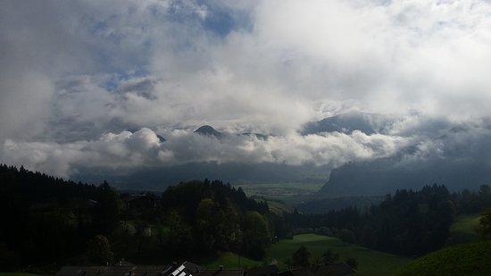 Jenbach, Austria: Ausblick aus dem fahrenden Zug