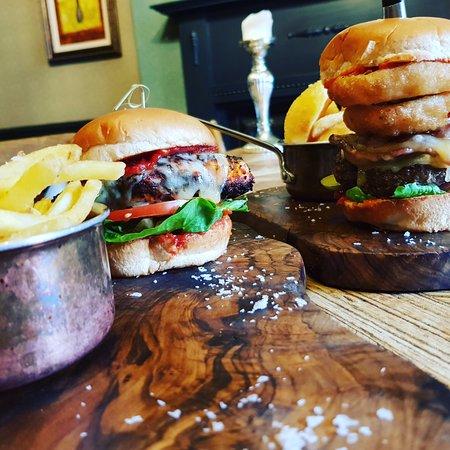 Clevedon, UK: Burger Night!