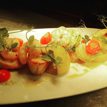 Edgworth, UK: King prawns