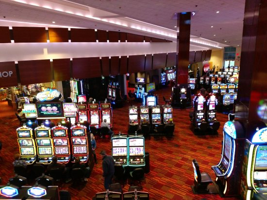 Turtle Creek Casino & Hotel: Large gaming floor