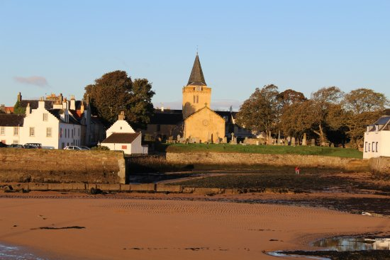 Anstruther, UK: Dreel Halls c870 church