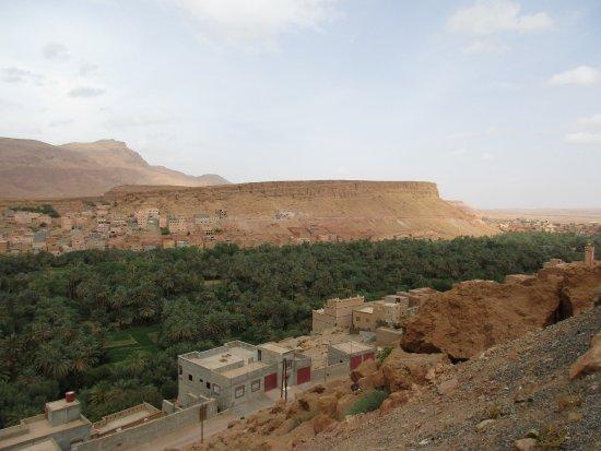 Morocco Excursion Tours: Landscape (I'm no good at rememebering the names of - Landscape (I'm No Good At Rememebering The Names Of The Places