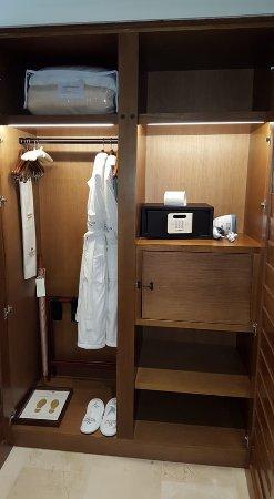 Incroyable Secrets Cap Cana Resort U0026 Spa: Closet With Safe, Steamer And Secret Box For