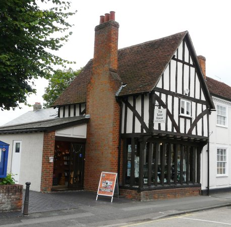 Tudor House Gallery, Sawbridgeworth, Hertfordshire, CM21 9AX