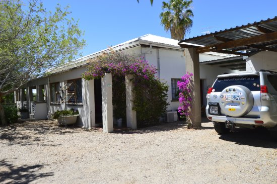 Die Kalaharihuis B&B: Safe parking area