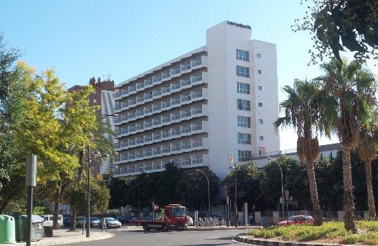 Hotel Medium Valencia : Vanaf de straatkant