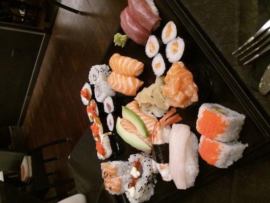 Moroboshi - Sushi Fusion: 20171011_221103_large.jpg