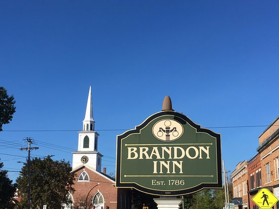 ‪‪Brandon Inn‬: Stately sign‬