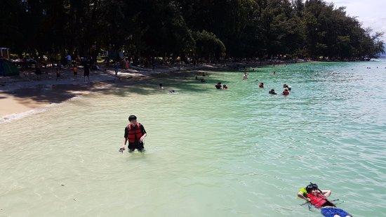Manukan Island, Malasia: Public beach