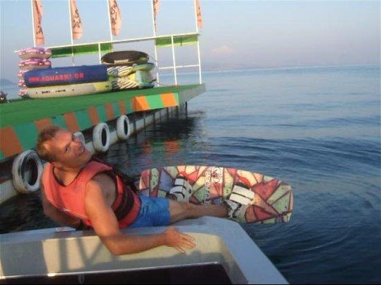 Dassia, Grecia: Wakeboard