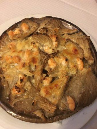Cozy Italian Restuarant in Pincho Alley