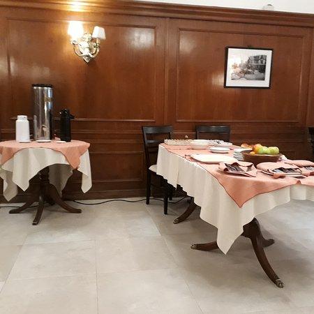 Hotel San Antonio Buenos Aires: TA_IMG_20171012_084355_large.jpg