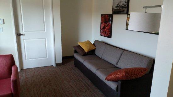 Bath, ME: Living room
