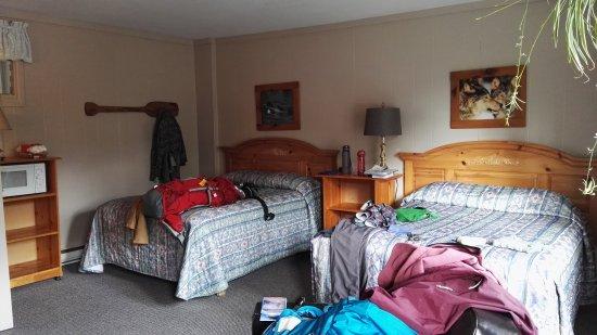 Dwight Village Motel: IMG_20171006_160033_large.jpg