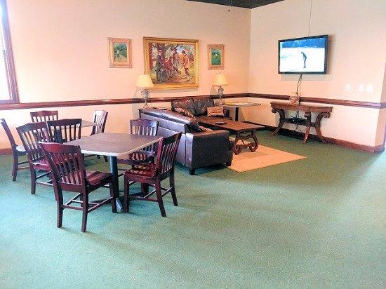 Falls Village Golf Course: restaurant