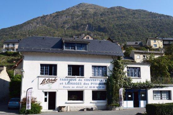 Esquieze-Sere, Francia: la carde fabrique de couvertures et lainages des pyrénées