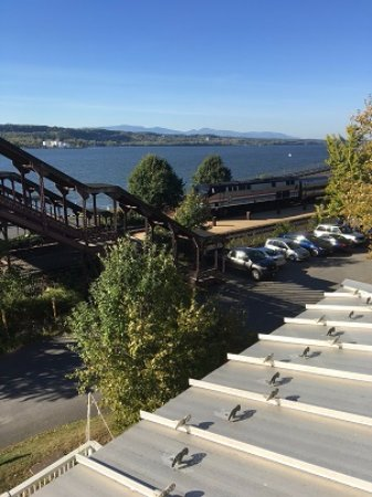 Rhinecliff, NY: View from room on balcony