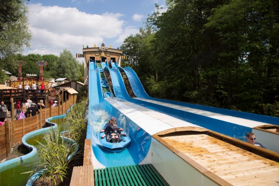 Warrington, UK: Togo Tower Waterslide in Safari Kingdom