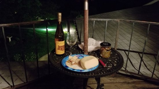 After Eight Bed & Breakfast: 20170801_213304_large.jpg