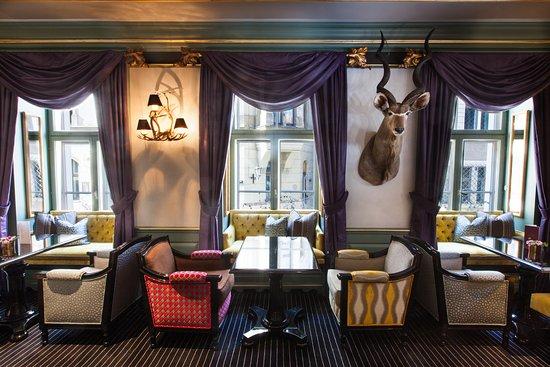 Grand Palace Hotel: Pils bar