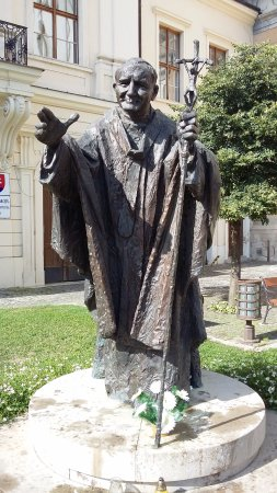 Trnava, Słowacja: Statue de Jean-Paul II
