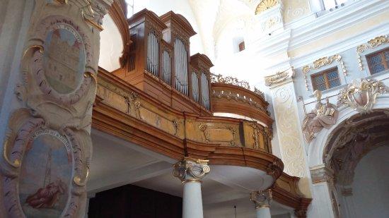 Trnava, Słowacja: Orgue et décors baroques