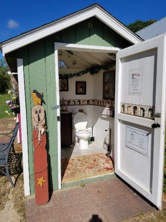 Cashton, Wisconsin: The bathroom