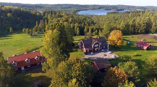 Boxholm, Швеция: View over Hotel Sommarhagen and the beautiful surroundings