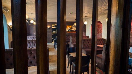 Ilford, UK: zeyaras shisha lounge