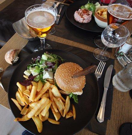 """Orly, France: Pauvre Burger dit """"auvergnat"""" ...une insulte aux """"auvergnats"""""""