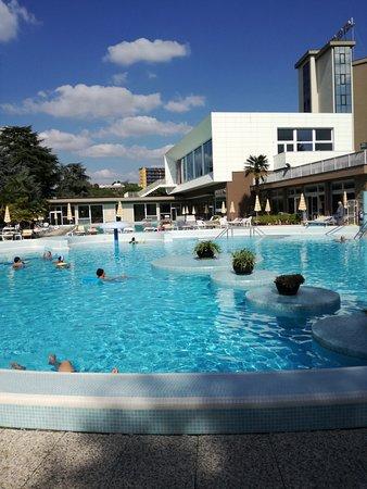 Continental Terme Hotel: una delle cinque piscine presenti nell'hotel