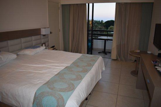 Avanti Hotel: Room 4021