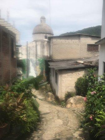 Yelapa Waterfalls: Street to the waterfalls