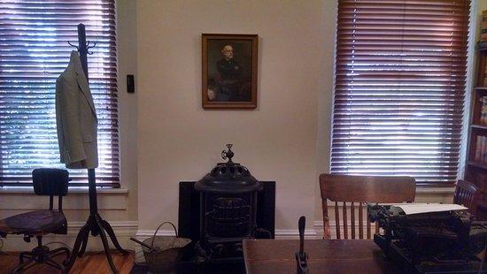 Monroeville, AL: Lawyers office