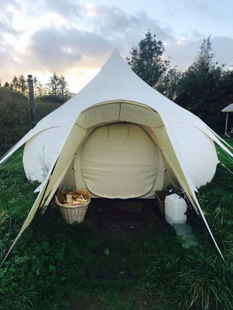Frongoch, UK : The Lotus Belle Tent