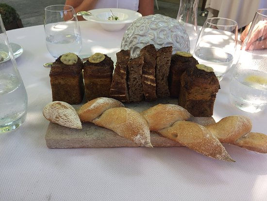 Le Cannet, France: Bread - wanted to take the rest home!