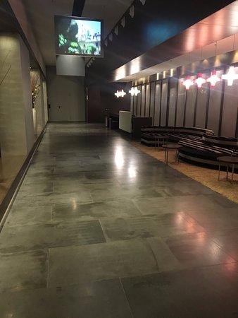 Barcelo Malaga: First floor meeting area