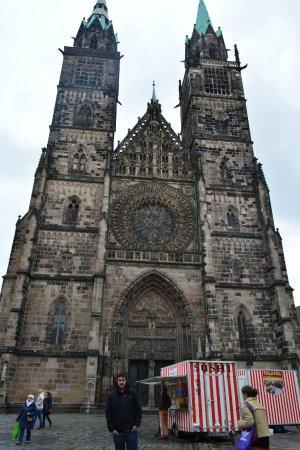 St. Lorenz Church: Con sus dos torres