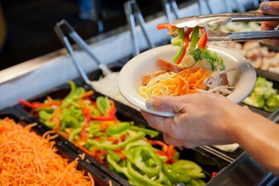 ลอว์เรนซ์, แคนซัส: Veggies make the dish!