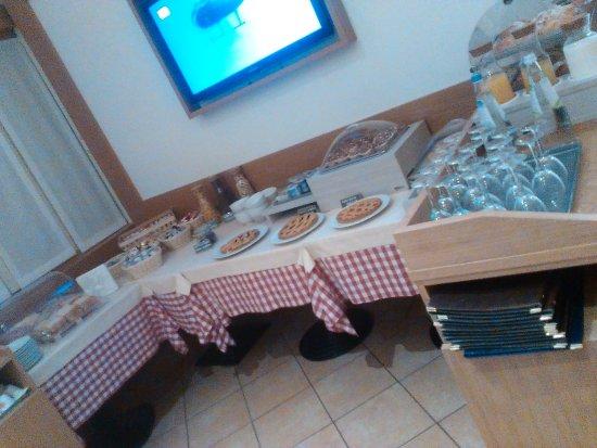 Casorate Sempione, Włochy: il buffet della colazione