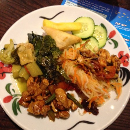 ChaoBaby: Cabbage salad and Sea Food salad