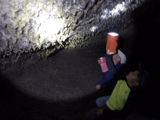 Tulelake, CA: Cave Walk