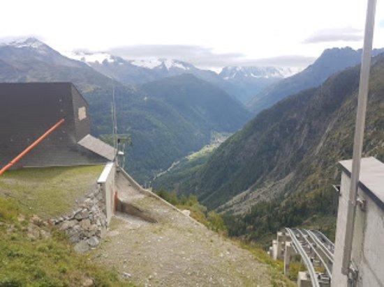 Finhaut, Suisse : дорога  фуникулера