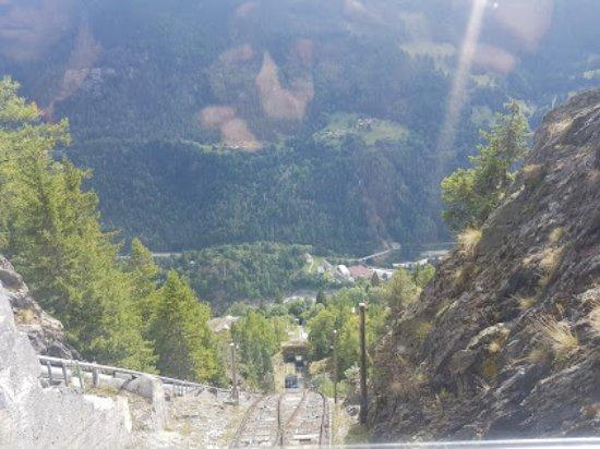 Finhaut, Suisse : вид с фуникулера