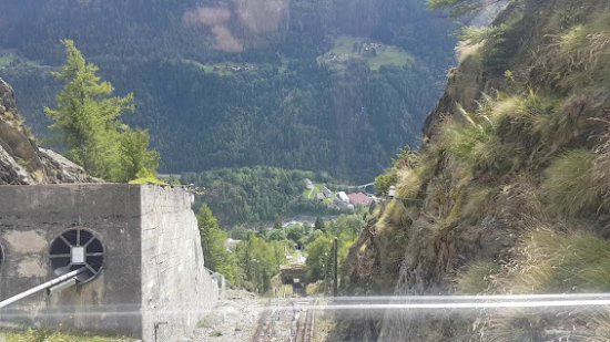 Finhaut, Schweiz: вид  с фуникулера
