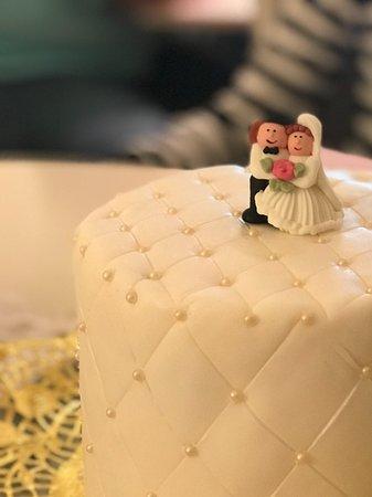 Unsere Hochzeitstorte Einfach Spitzenklasse Bild Von Cafe