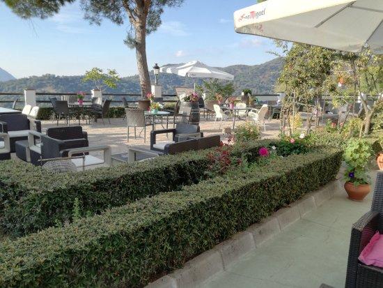Benarraba, สเปน: Terraza del restaurante