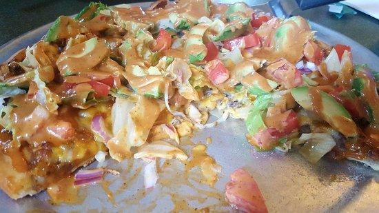 Monroe, WI: Southwestern Pizza, ground beef, chipotle sauce, tomato, avocado, onion, lettuc