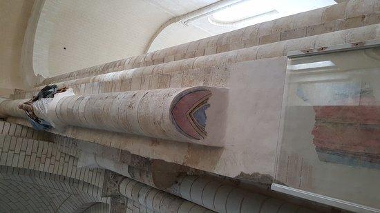 Fontevraud-l'Abbaye, France: 20171011_105146_large.jpg