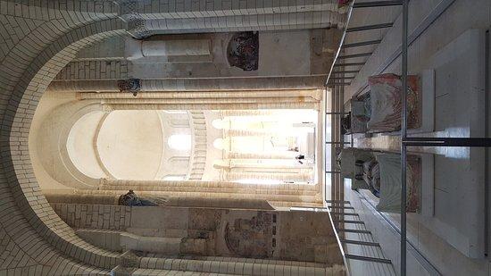 Fontevraud-l'Abbaye, France: 20171011_111240_large.jpg